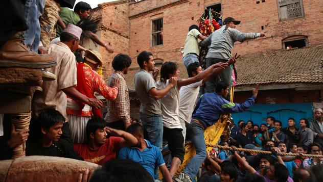 Celebrar el Bisket Jatra, Nepal