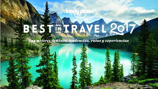 Canadá: espectaculares aguas de color verde azulado del lago Moraine, en el imponente Banff National Park