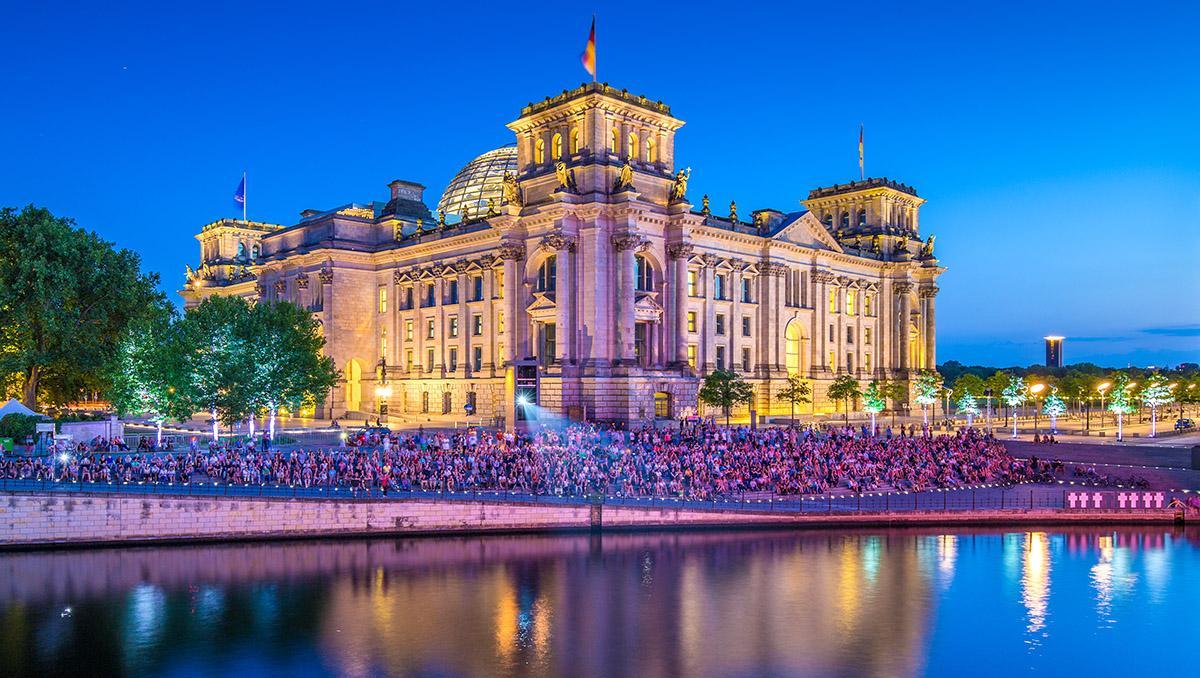 Reichstag al atardecer, Berlín, Alemania