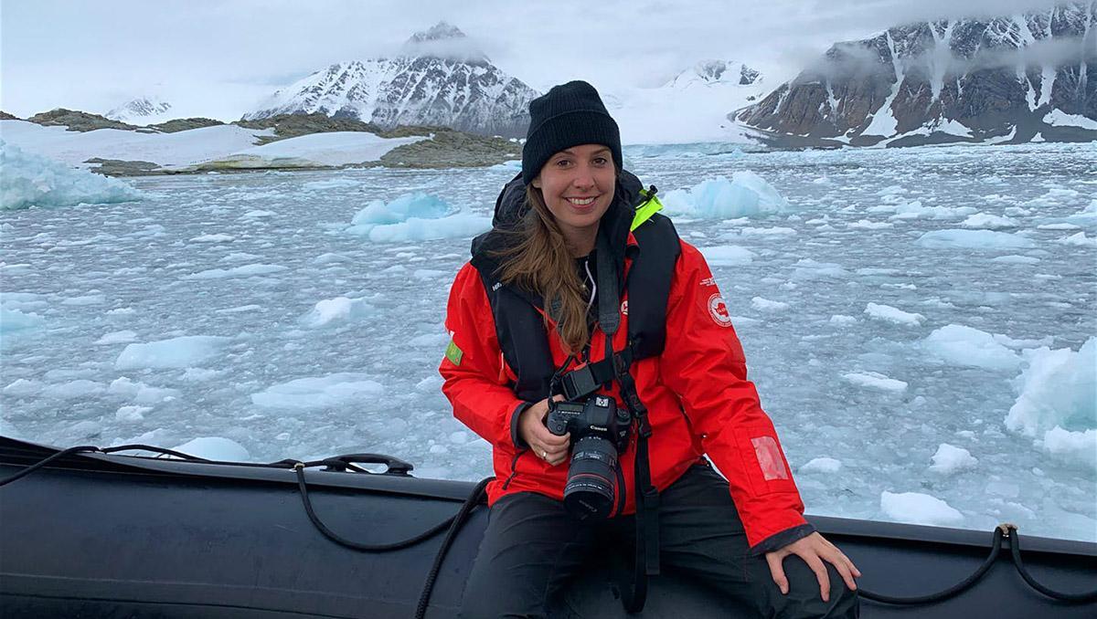 Edwina Hart, autora de Lonely Planet, atrapada en un barco en la Antártida