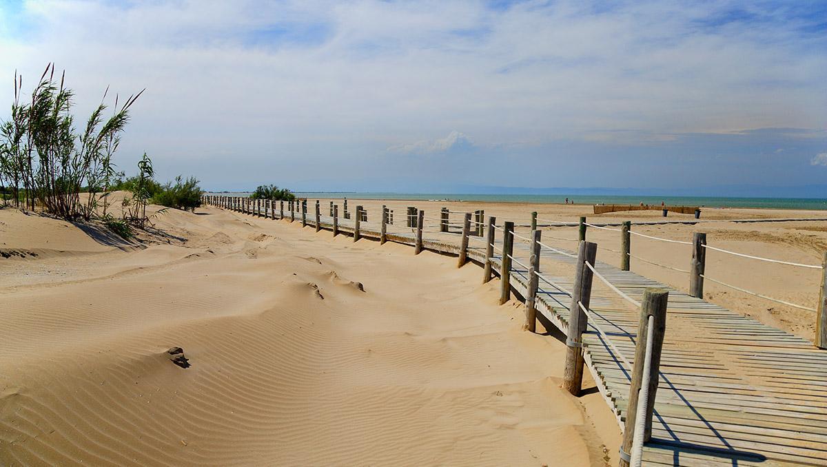 Cataluña meridonal: playa Riumar en Deltebre, Delta de l'Ebre