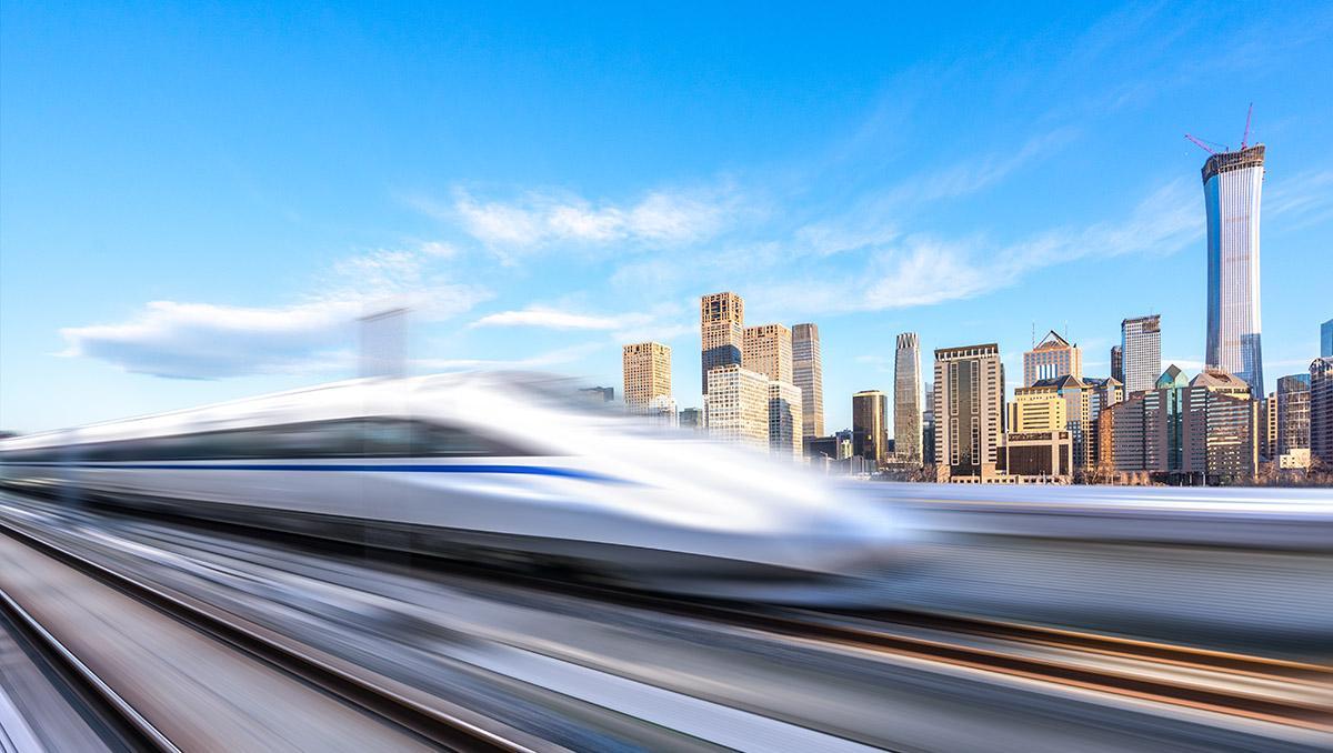Tren de alta velocidad a su paso por Beijing, China
