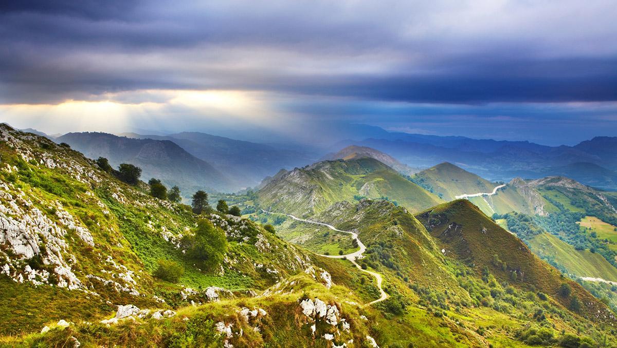 Carreteras en los Picos de Europa, Asturias, España