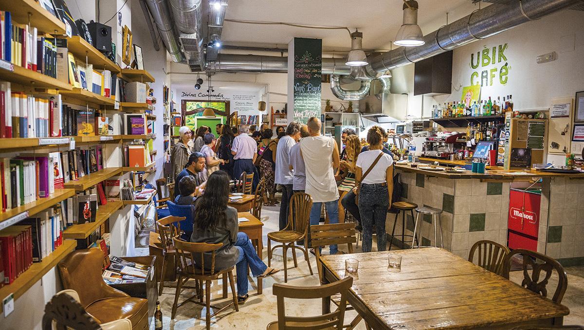 Ubik Café, Russafa, Valencia; España