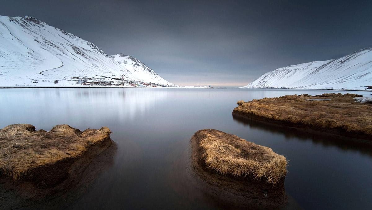 El espectacular y bello Siglufjörður es solo uno de los atractivos de la ruta por la Arctic Coast Way en Islandia