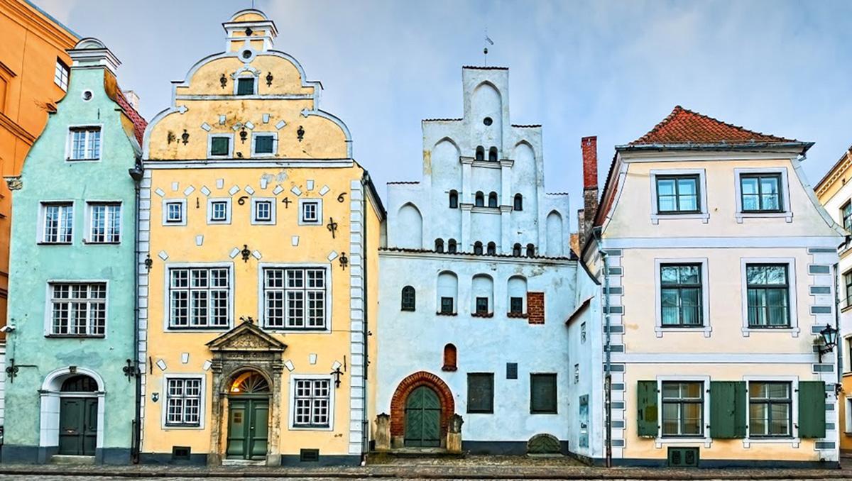 Edificios medievales en Riga, Estonia