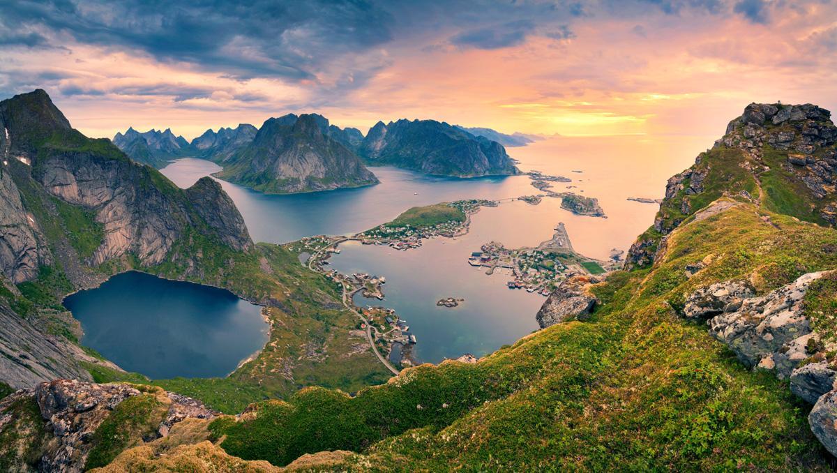Fiordos de Reinebringen, Noruega