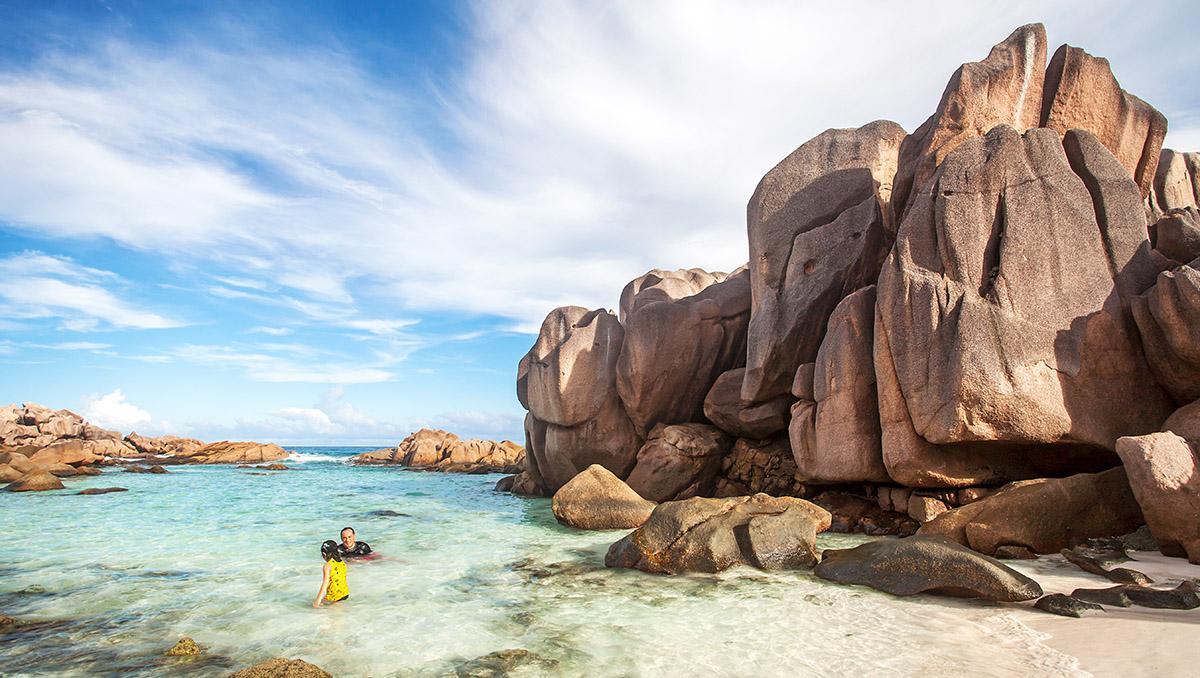 Familia en la playa, Seychelles