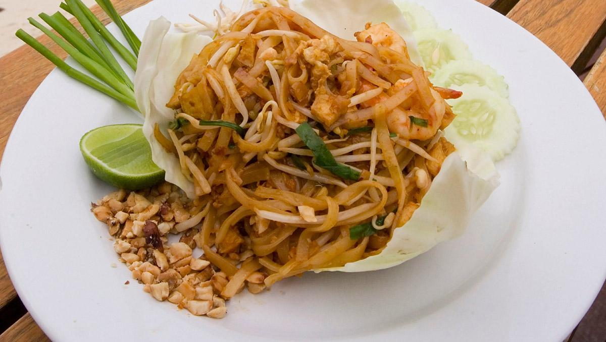 Un viaje gastronómico a Tailandia: phat thai