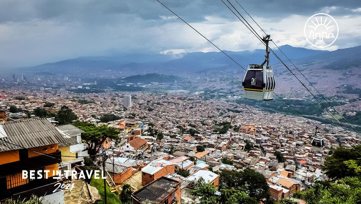 Turismo sostenible: comunidad. El Metrocable de Medellín, Colombia