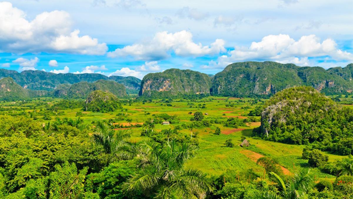 El espectacular paisaje del valle de Viñales, Cuba