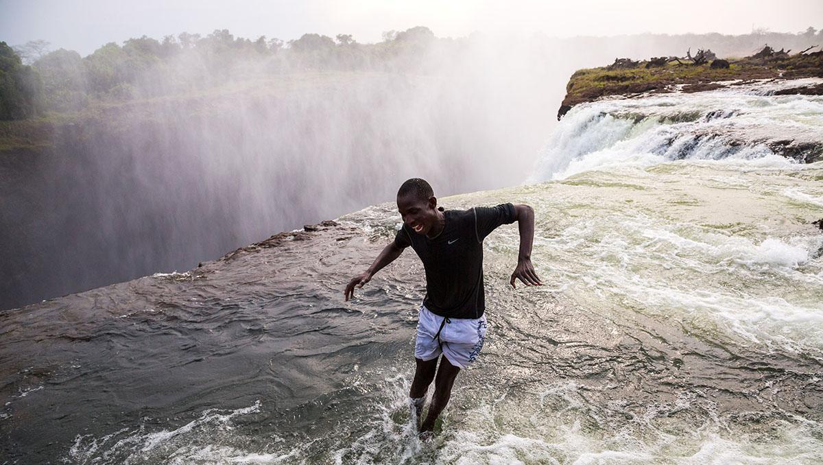 Chapuzón en Devil's Pool, Zambia