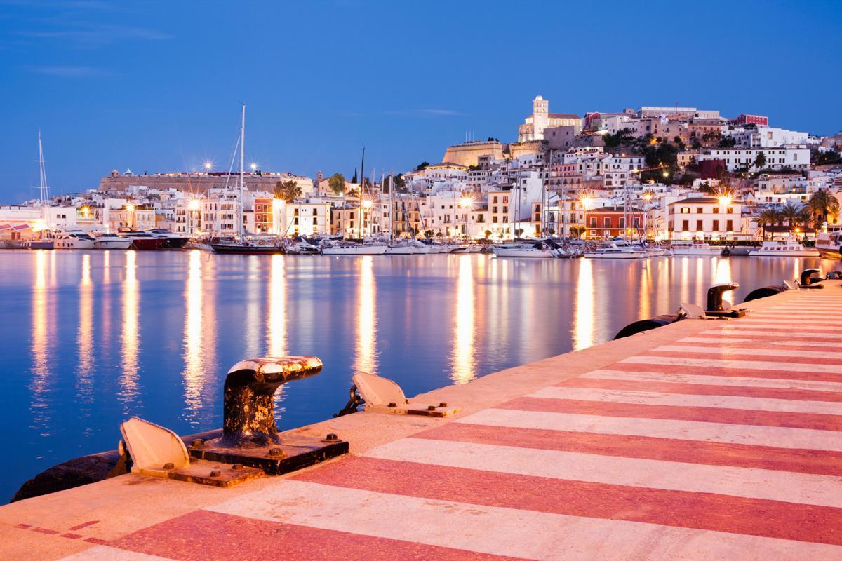 Dalt Vila y puerto, Ibiza, Islas Baleares, España