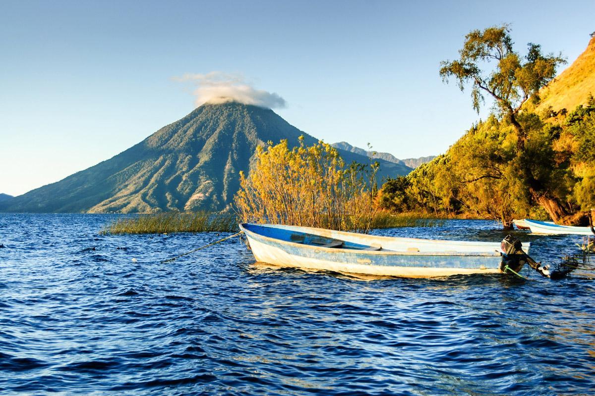 Volcán San Pedro, Lago Atitlan, Guatemala