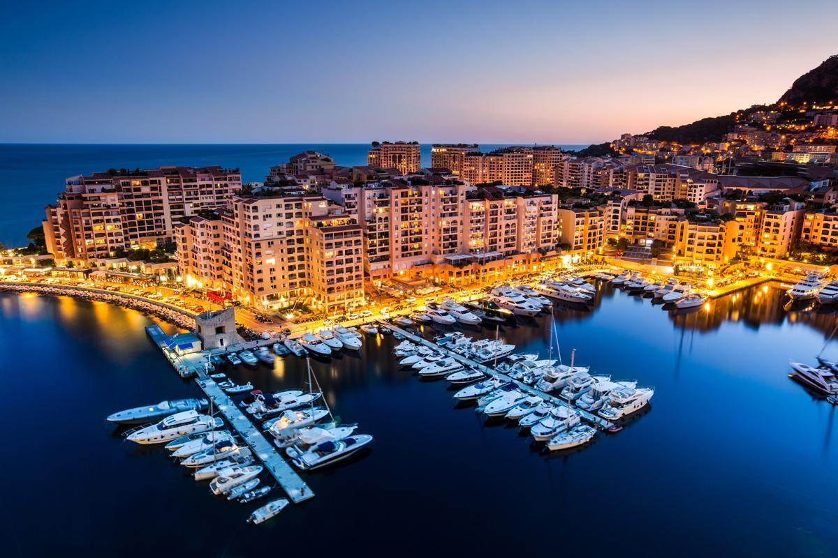 Puerto Fontvieille, Mónaco