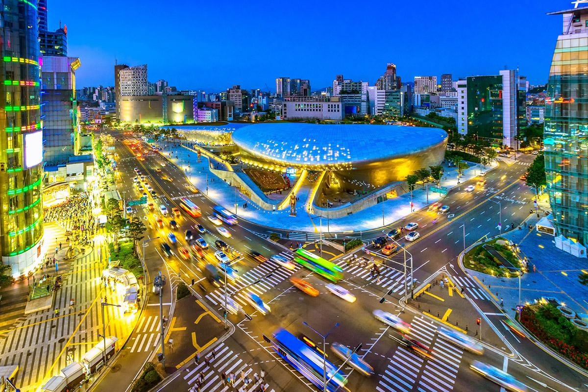 Dongdaemun Design Plaza, Seúl, Corea del Sur