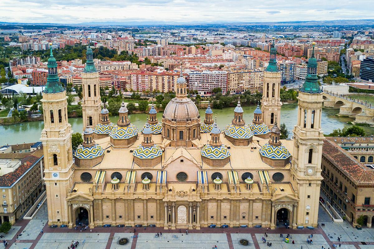 Basílica del Pilar y río Ebro, Zaragoza, España