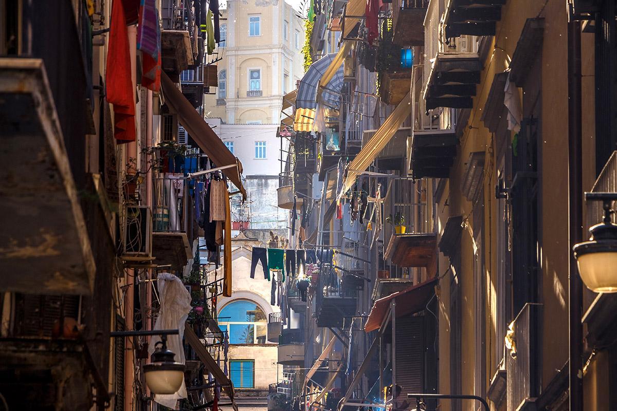Calles de Nápoles, Italia