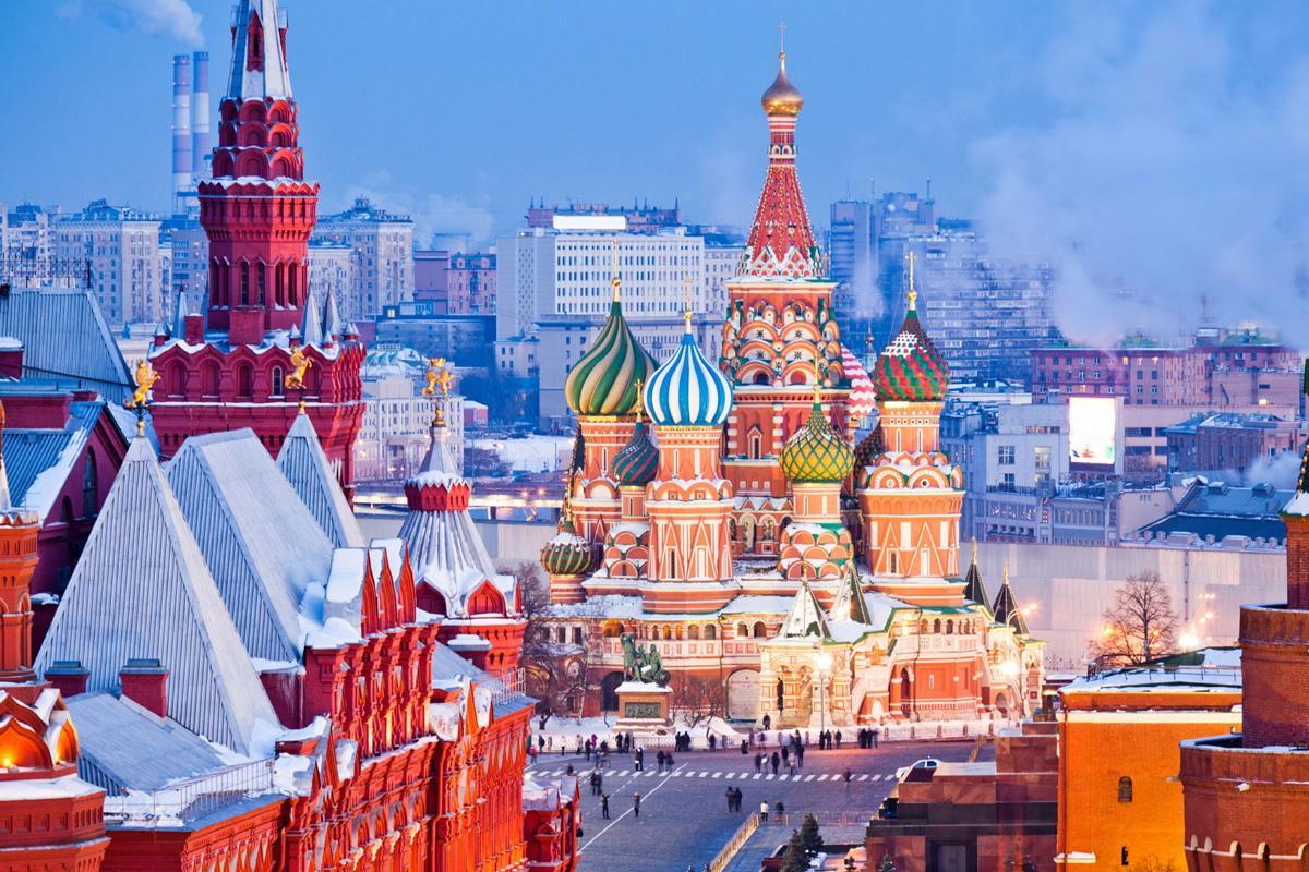 Plaza Roja, catedral de San Basilio y Museo Histórico, Moscú, Rusia