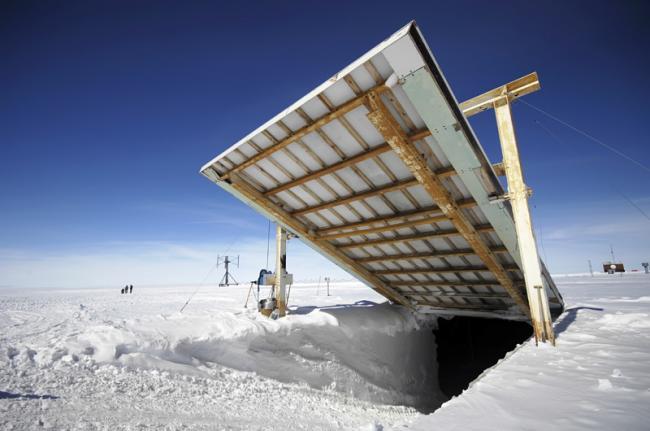 Entrada de vehículos en estación polar, Antártida