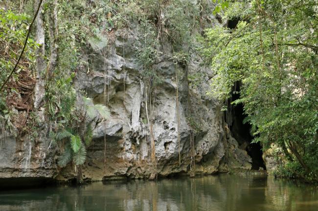 Cuevas, Belice