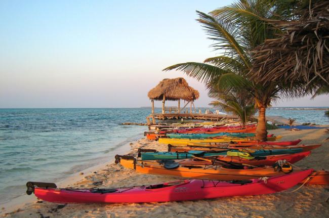 Kayak por el atolón de Glover, Belice