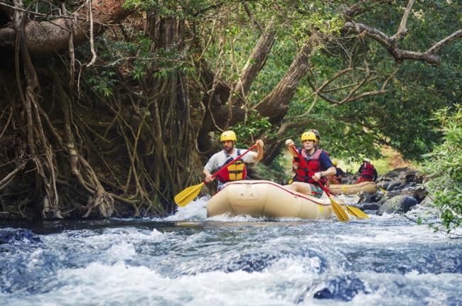 'Rafting' en aguas bravas, Costa Rica