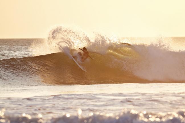 Surf en Playa Grande, Pacífico, Costa Rica