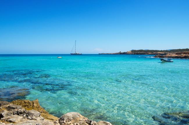 Cala Conta, alrededores de Sant Antoni, Ibiza, Islas Baleares, España