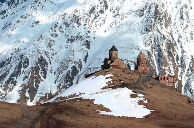 Iglesia de Tsminda Sameba, zona de Kazbegi, Georgia