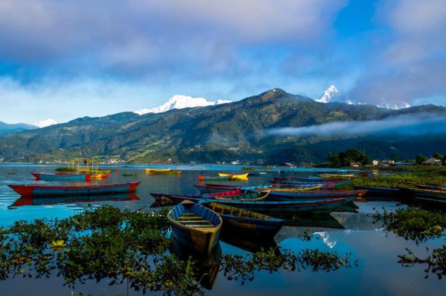 Vistas desde Pokhara, Phewa Tal, Nepal