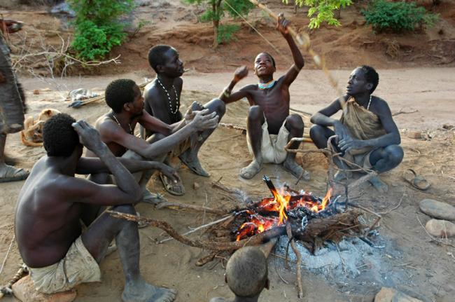 Grupo de la tribu Hadzabe, Tanzania