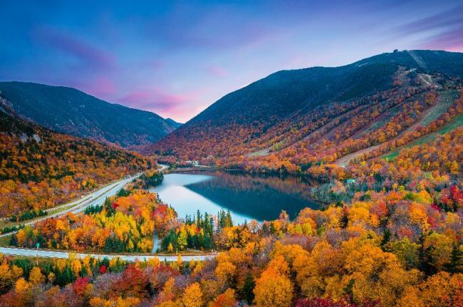 Nueva Inglaterra en otoño, Nuevo Hampshire, EE. UU.