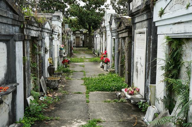 El mausoleo de tendencia gótica sureña, Nueva Orleans, costa este de EEUU
