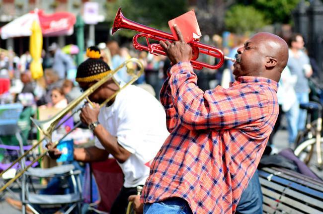 El animado centro del Barrio Francés, Nueva Orleans, costa este de EEUU