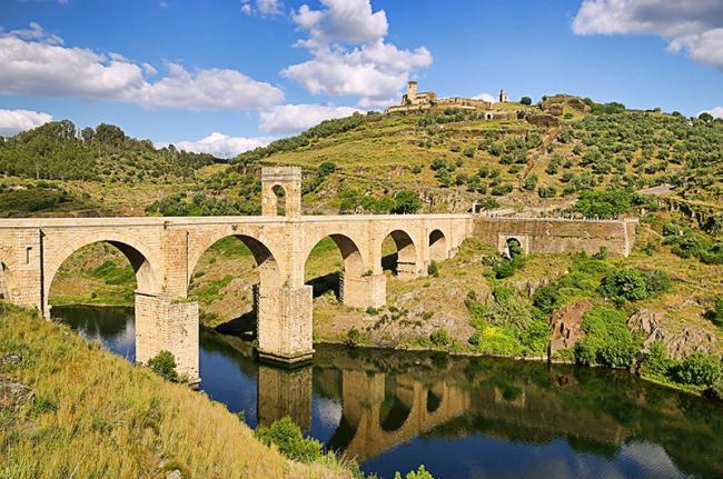 Puente romano de Alcántara, Cáceres, Extremadura, España