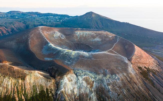 Gran cráter de la Fossa, Vulcano, Islas Eolias, Italia