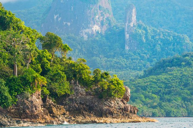 Baía das Agulhas, Santo Tomé y Príncipe