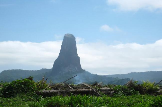 Pico de São Tomé, Santo Tomé y Príncipe