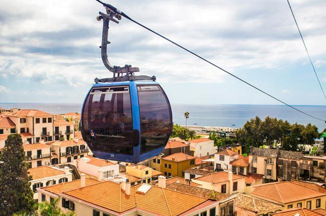 Teleférico hacia Monte, Funchal, Madeira, Portugal