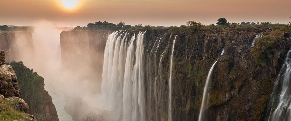 Las impresionantes cataratas Victoria, Zambia y Zimbaue